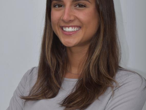 Sophie Minigiello headshot